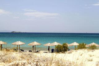 plaka-beach-04