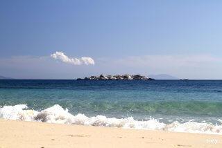 plaka-beach-09