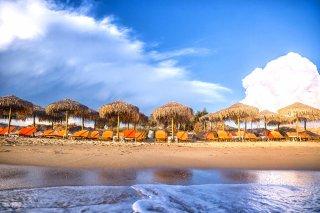 plaka-beach-(4)