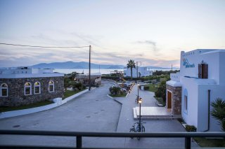 plaza-naxos-beach-(3)